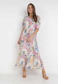 Born2be - Kremowa Sukienka Laomemoni. Okazja: na co dzień. Kolor: beżowy. Materiał: wiskoza, materiał. Długość rękawa: krótki rękaw. Wzór: aplikacja, kolorowy. Typ sukienki: proste. Styl: casual. Długość: maxi