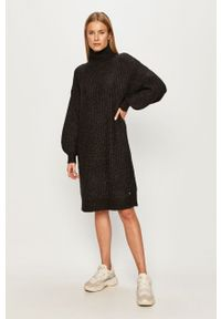 Czarna sukienka Noisy may casualowa, mini, oversize, z golfem