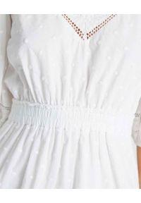 LOVE SHACK FANCY - Biała sukienka Adley. Kolor: biały. Materiał: bawełna, koronka. Wzór: haft, kropki, koronka. Sezon: lato. Styl: klasyczny. Długość: mini