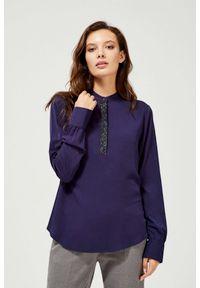 MOODO - Koszula z błyszczącą aplikacją. Materiał: bawełna, wiskoza. Długość rękawa: długi rękaw. Długość: długie. Wzór: aplikacja