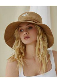 LESHKA - Brązowy kapelusz Velvet Bucket Hat. Kolor: brązowy. Wzór: aplikacja