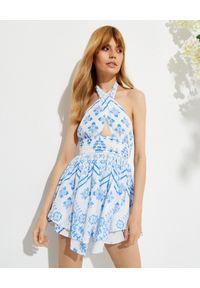 ROCOCO SAND - Sukienka mini Leas z krzyżowaniem na piersi. Kolor: biały. Materiał: wiskoza. Typ sukienki: asymetryczne, z odkrytymi ramionami. Długość: mini