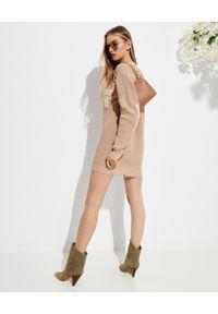 SER.O.YA - Beżowy sweter Devin. Okazja: na co dzień. Kolor: beżowy. Materiał: wełna, bawełna. Długość rękawa: długi rękaw. Długość: długie. Wzór: aplikacja. Styl: casual