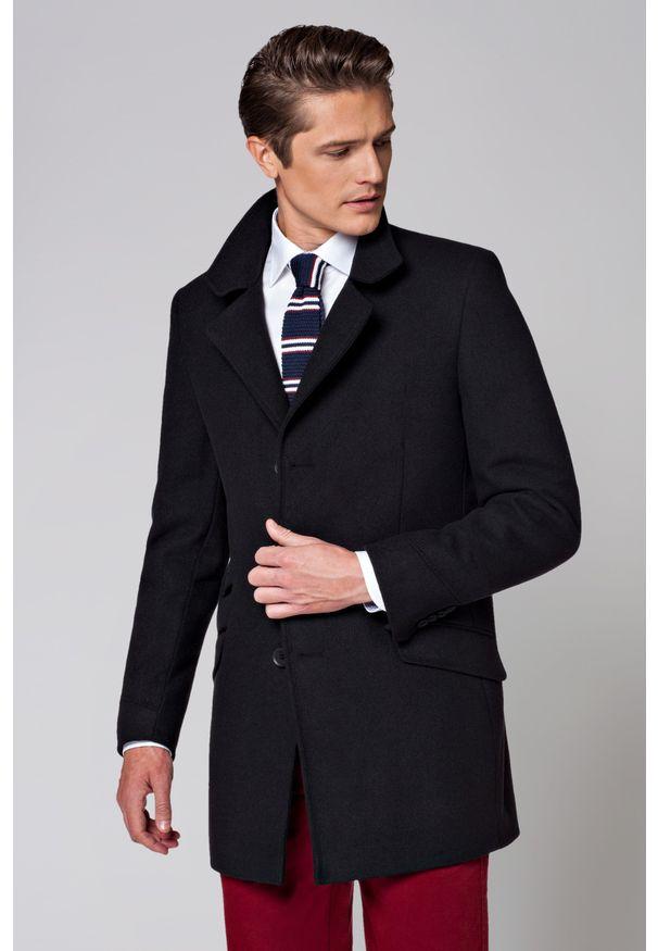 Czarny płaszcz Lancerto z klasycznym kołnierzykiem, na jesień