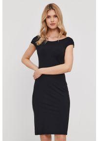 Czarna sukienka Patrizia Pepe mini, z krótkim rękawem, klasyczna, gładkie