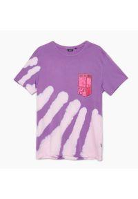 Cropp - Koszulka tie dye - Fioletowy. Kolor: fioletowy