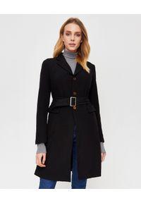 COMME des GARCONS - COMME DES GARCONS - Czarny płaszcz z paskiem. Kolor: czarny. Sezon: wiosna. Styl: klasyczny, elegancki