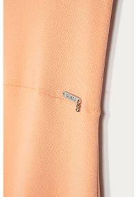 Pomarańczowa sukienka Guess mini, rozkloszowana, z krótkim rękawem