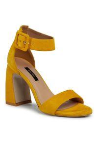 Żółte sandały Gino Rossi casualowe, na co dzień