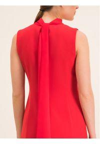iBlues Sukienka koktajlowa 72262596 Czerwony Regular Fit. Kolor: czerwony. Styl: wizytowy #3
