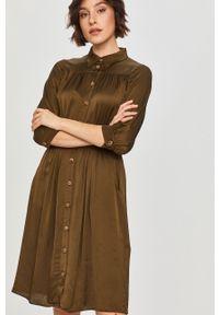 Zielona sukienka Answear Lab prosta, na co dzień, mini