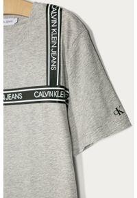 Szary t-shirt Calvin Klein Jeans casualowy, na co dzień, z aplikacjami