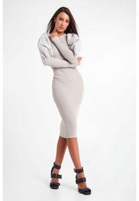 Elisabetta Franchi - SUKIENKA ELISABETTA FRACHI. Materiał: wiskoza, prążkowany. Typ sukienki: dopasowane. Długość: midi