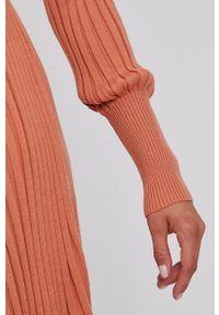 TwinSet - Twinset - Sukienka. Kolor: różowy. Materiał: dzianina. Długość rękawa: długi rękaw. Wzór: gładki. Typ sukienki: rozkloszowane
