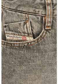 Diesel - Szorty jeansowe. Okazja: na co dzień. Kolor: szary. Materiał: jeans. Styl: casual