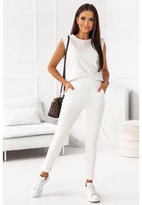 IVON - Dresowy Komplet Bluzka + Spodnie - Kremowy. Kolor: kremowy. Materiał: dresówka