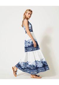 TwinSet - TWINSET - Bawełniana sukienka maxi. Okazja: na spacer. Kolor: biały. Materiał: bawełna. Wzór: nadruk, kwiaty, aplikacja. Sezon: lato. Długość: maxi