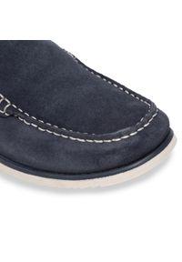 Clarks - Mokasyny CLARKS - Noonan Step 261594737 Navy Suede. Okazja: na co dzień, na spacer. Kolor: niebieski. Materiał: zamsz, skóra. Szerokość cholewki: normalna. Styl: casual, klasyczny, sportowy