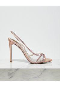 RENE CAOVILLA - Różowe sandały na szpilce. Zapięcie: pasek. Kolor: fioletowy, różowy, wielokolorowy. Wzór: paski, aplikacja. Obcas: na szpilce. Wysokość obcasa: średni