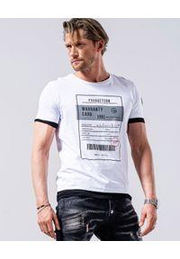 GUNS & TUXEDOS - T-shirt z nadrukami Clandestino 1. Okazja: na co dzień. Kolor: biały. Materiał: dzianina, bawełna. Wzór: nadruk. Styl: casual