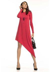 Tessita - Czerwona Asymetryczna Sukienka Dzianinowa. Kolor: czerwony. Materiał: dzianina. Typ sukienki: asymetryczne