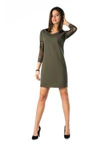 Merribel - Khaki Dopasowana Sukienka z Transparentnym Rękawem 3/4. Kolor: brązowy. Materiał: bawełna, poliester