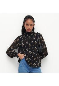 Reserved - Zwiewna bluzka w kwiaty - Wielobarwny. Wzór: kwiaty