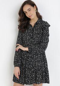 Born2be - Czarna Sukienka Uhrvielle. Kolor: czarny. Materiał: tkanina, wiskoza. Długość rękawa: długi rękaw. Wzór: grochy, aplikacja, nadruk. Typ sukienki: koszulowe. Długość: mini
