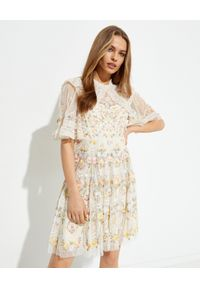 NEEDLE & THREAD - Sukienka mini Reverie. Typ kołnierza: dekolt gorset. Kolor: beżowy. Materiał: materiał. Wzór: haft, kwiaty, nadruk. Typ sukienki: gorsetowe, rozkloszowane. Długość: mini