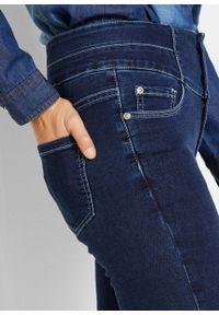 Niebieskie jeansy bonprix krótkie