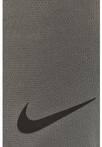 Nike - Szorty. Okazja: na co dzień. Kolor: szary. Materiał: tkanina, włókno, skóra. Styl: casual