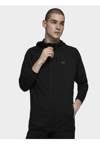 Czarna bluza rozpinana 4f z kapturem