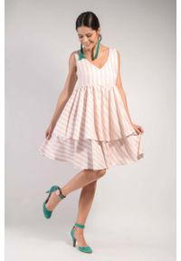 Nommo - Biało Różowa Warstwowa Zwiewna Sukienka na Szerokich Ramiączkach. Kolor: biały, różowy, wielokolorowy. Materiał: wiskoza. Długość rękawa: na ramiączkach