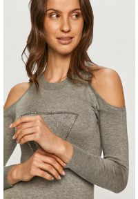Guess - Sweter. Kolor: szary. Materiał: dzianina. Długość rękawa: długi rękaw. Długość: długie. Wzór: aplikacja