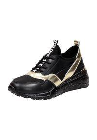Czarne skórzane sneakersy damskie DiA 97819. Kolor: czarny. Materiał: tkanina, skóra. Obcas: na obcasie. Wysokość obcasa: średni