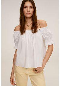 Biała bluzka mango z dekoltem typu hiszpanka, z krótkim rękawem, casualowa, krótka