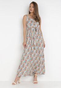 Born2be - Granatowo-Pomarańczowa Sukienka Pimene. Kolor: niebieski