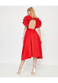 Alexander McQueen - ALEXANDER MCQUEEN - Czerwona sukienka z jedwabiu. Okazja: na wesele, na imprezę, na ślub cywilny. Kolor: czerwony. Materiał: jedwab. Styl: elegancki. Długość: midi