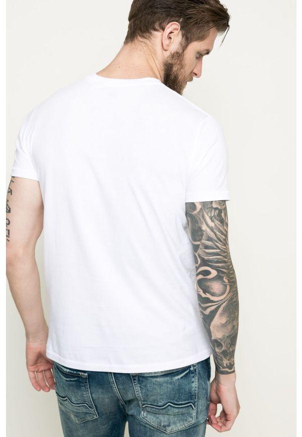 Biały t-shirt Levi's® na co dzień, z okrągłym kołnierzem, casualowy