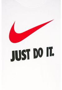 Biały t-shirt Nike Kids casualowy, z nadrukiem