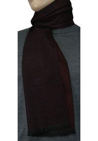 Czerwony szalik Adriano Guinari elegancki, w prążki