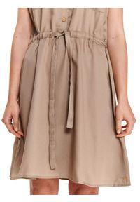 TOP SECRET - Sukienka damska gładka. Kolor: brązowy. Wzór: gładki. Typ sukienki: koszulowe