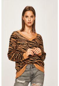 Brązowy sweter ANSWEAR z motywem zwierzęcym