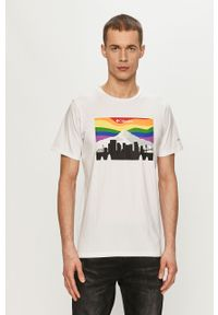 Biały t-shirt columbia na co dzień, z nadrukiem, casualowy