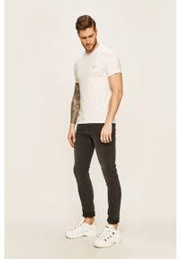 Biały t-shirt Emporio Armani casualowy, z nadrukiem, na co dzień