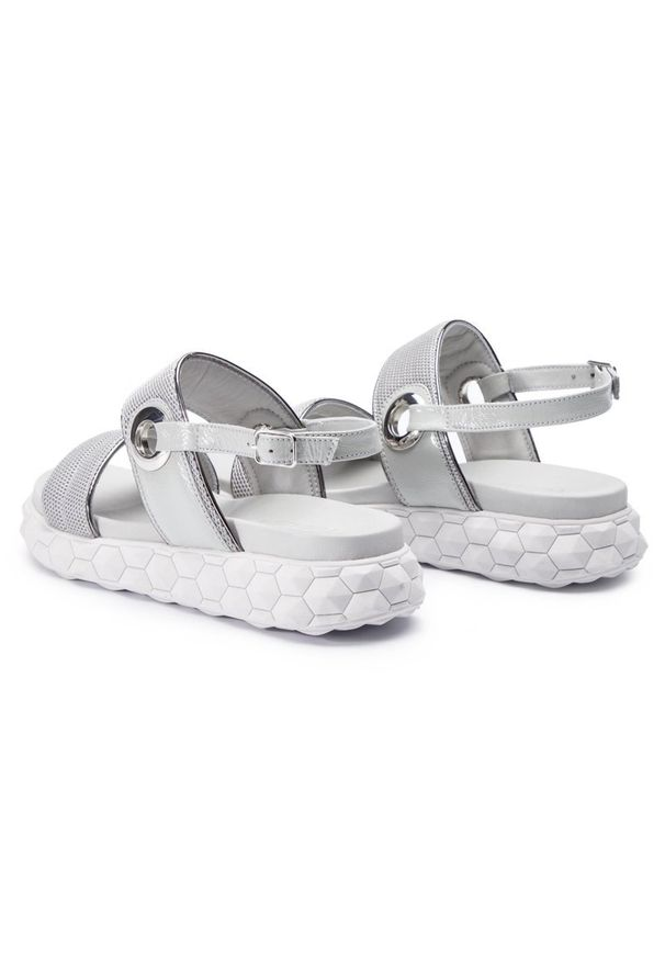 Srebrne sandały Togoshi