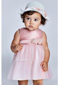 Różowa sukienka Mayoral mini, na ramiączkach, rozkloszowana, z aplikacjami