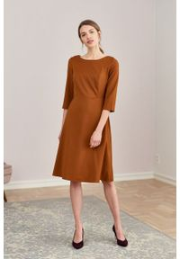 Marie Zélie - Sukienka Asteria wełniana cynamonowa. Kolor: brązowy. Materiał: wełna. Typ sukienki: trapezowe. Styl: klasyczny