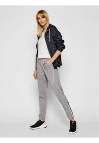 Szare spodnie dresowe columbia