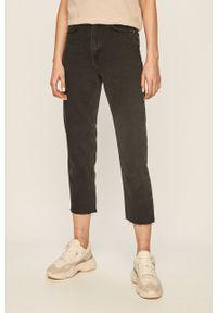 Czarne jeansy ANSWEAR